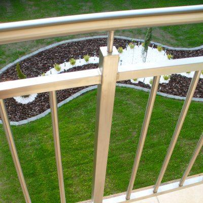 Výroba exteriérového nerezového zábradlia balkóny detail